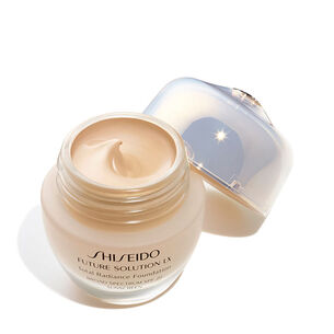 Total Radiance Foundation E (Please check if HQ will upload Neutral 2), Golden3